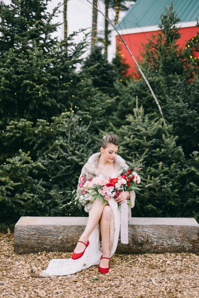 freeport maine scandinavian winter wedding at ll bean