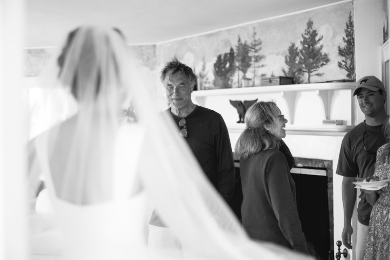 daughter seeing father for the first time on wedding day